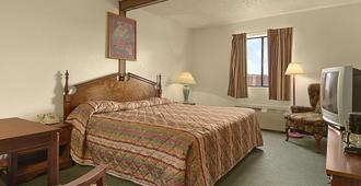 蓋洛普溫德姆速8飯店 - 盖洛普 - 睡房