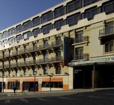 阿尔法帕尔玛法斯班德酒店