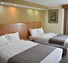 易波萨达套房酒店