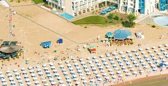 唯安酒店 - 高级式 - 阳光海滩 - 建筑