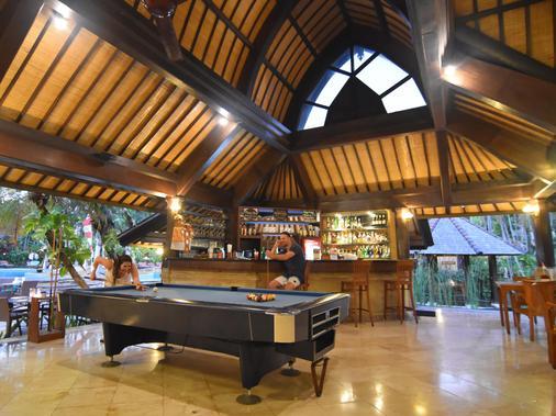 朗邦别墅酒店 - 库塔 - 酒吧