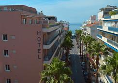 最佳西方阿斯托里亚酒店 - 安提伯 - 户外景观