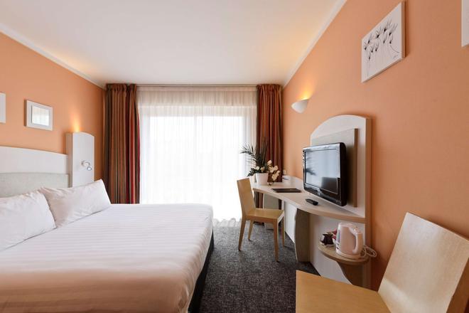 最佳西方阿斯托里亚酒店 - 安提伯 - 睡房