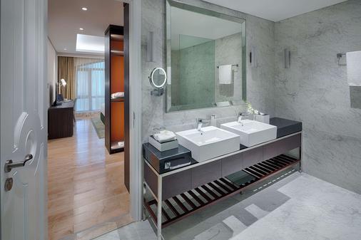 舍伍德套房酒店 - 胡志明市 - 浴室