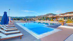 米拉马尔度假村和水疗中心 - 圣尼古拉斯(克里特岛) - 游泳池