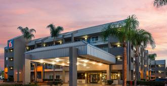 阿纳海姆大门6号汽车旅馆 - 安纳海姆 - 建筑