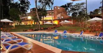 格兰托比伦酒店 - 伊瓜苏 - 游泳池