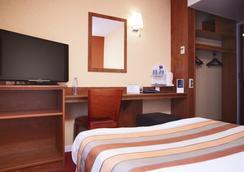 吉利亚德酒店-德尼姆奥斯特 - 尼姆 - 睡房