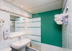 吉利亚德酒店-德尼姆奥斯特 - 尼姆 - 浴室