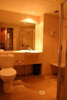 金斯福德史密斯汽车旅馆 - 布里斯班 - 浴室