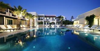 卡马利玫瑰湾酒店 - 卡马利 - 游泳池