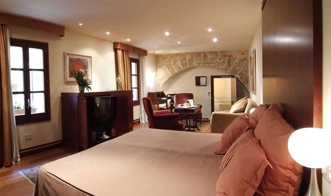 帕拉西奥卡萨加勒萨酒店 - 马略卡岛帕尔马 - 睡房