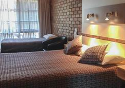 贝斯特韦斯特客憩汽车旅馆 - 天鹅山 - 睡房