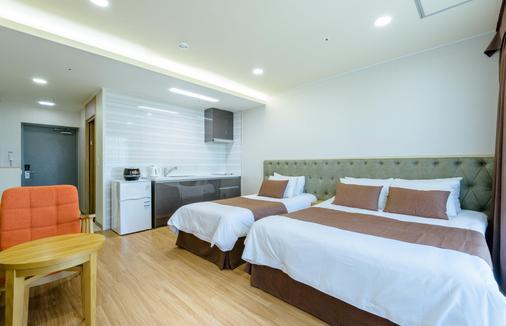 济州生态绿色渡假村 - 济州 - 睡房