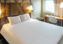 宜必思阿维尼翁中央车站酒店 - 阿维尼翁 - 睡房