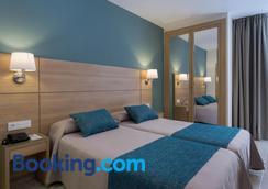 苏马拉加酒店 - 马拉加 - 睡房