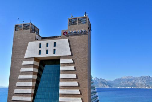 安塔利亚华美达广场酒店 - 安塔利亚 - 建筑
