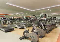 安塔利亚华美达广场酒店 - 安塔利亚 - 健身房