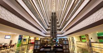 安塔利亚华美达广场酒店 - 安塔利亚 - 大厅