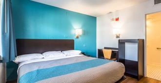 加利福尼亚布莱斯 6 号汽车旅馆 - 布莱斯 - 睡房