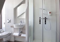 布卢瓦城堡西佳酒店 - 布鲁瓦 - 浴室