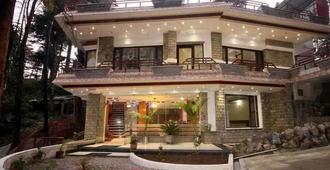 帝国 9 号酒店 - 达兰萨拉