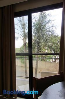 金色套房酒店 - 坎皮纳斯 - 阳台