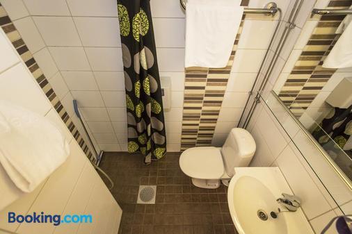 阿克努斯酒店 - 罗瓦涅米 - 浴室