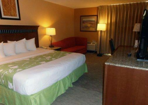 柯林斯堡品质套房酒店 - 柯林斯堡 - 睡房
