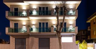 波尔图迪克劳迪奥酒店 - 菲乌米奇诺 - 建筑