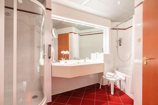 诗威林阿梅迪亚酒店贝斯特韦斯特精选修尔广场酒店 - 什未林 - 浴室