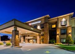 最佳西方Plus格兰德艾兰套房旅馆 - 格兰德岛 - 建筑