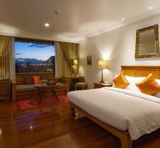 清莱皇河屋度假酒店