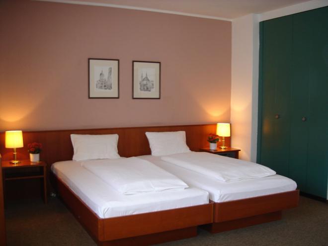 艾肯酒店 - 杜塞尔多夫 - 睡房