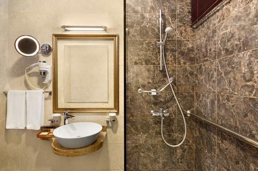 华美达巴库酒店 - 巴库 - 浴室