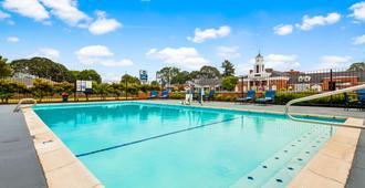 莱克伍德贝斯特韦斯特酒店 - 塔科马 - 游泳池