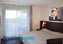 圣玛克希姆海滩酒店 - 桑特马克西默 - 睡房