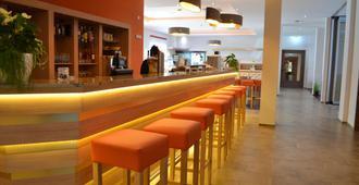 贝斯特韦斯特优质滨海明星林道酒店 - 林道 - 酒吧