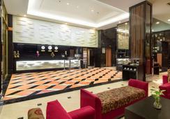 马卡萨海滩贝斯特韦斯特高级酒店 - 马卡萨 - 大厅