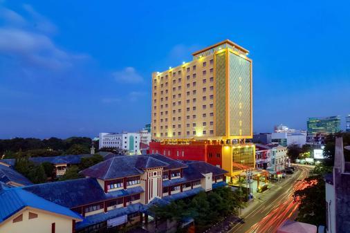 马卡萨海滩贝斯特韦斯特高级酒店 - 马卡萨 - 建筑