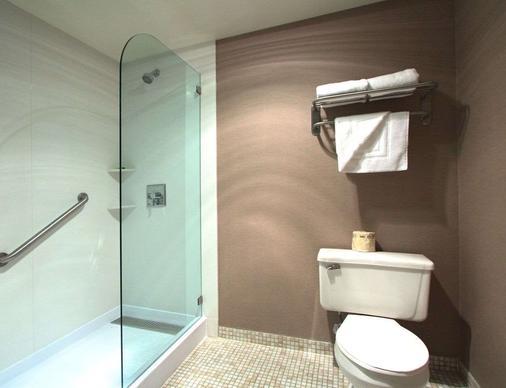 奥克兰行政酒店&套房 - 奥克兰 - 浴室