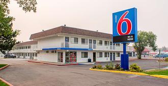 卡利斯比6号汽车旅馆 - 卡利斯佩尔 - 建筑