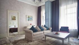 公爵酒店 - 敖德萨 - 客厅
