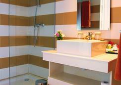 吉尔巴岛西贝尔莱姆海滩度假村 - 米多恩 - 浴室