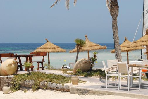 西贝尔莱姆海滩酒店 - 米多恩 - 露台