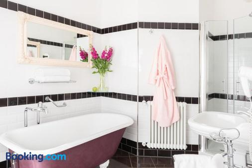 皮恩扎克斯格纳诺酒店 - 皮恩扎 - 浴室