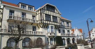 万卡提森特瑞姆兹林德酒店 - 德哈恩 - 建筑