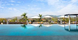 琅勃拉邦吉利达拉度假村 - 琅勃拉邦 - 游泳池