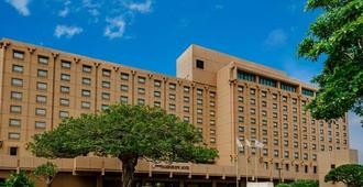 冲绳港湾豪景全日空皇冠假日酒店 - 那霸 - 建筑