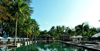 丹絨魯度假村 - 兰卡威 - 游泳池